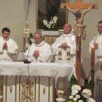Posvätenie nového oltára v kostole sv. Jakuba vo Volkovciach